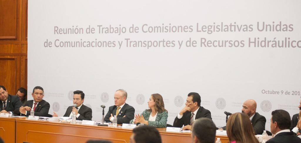 El Srio Erasto Martínez señala que la secretaría de infraestructura no sólo construye también auxilia a la población http://t.co/6Q9SLiQgWq