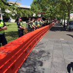 Police have taken up position and anti-racism protesters have started gathering in Bendigo http://t.co/St9ogQYS2I