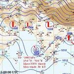 🔴 تحليل الخريطة السطحية الساعة 4:00 فجرآ توضح زيادة سرعة الرياح إلى 30 عقدة مؤشر لتعمق المنخفض أكثر مع حركة بطيئة.. http://t.co/H7a5rLUdku