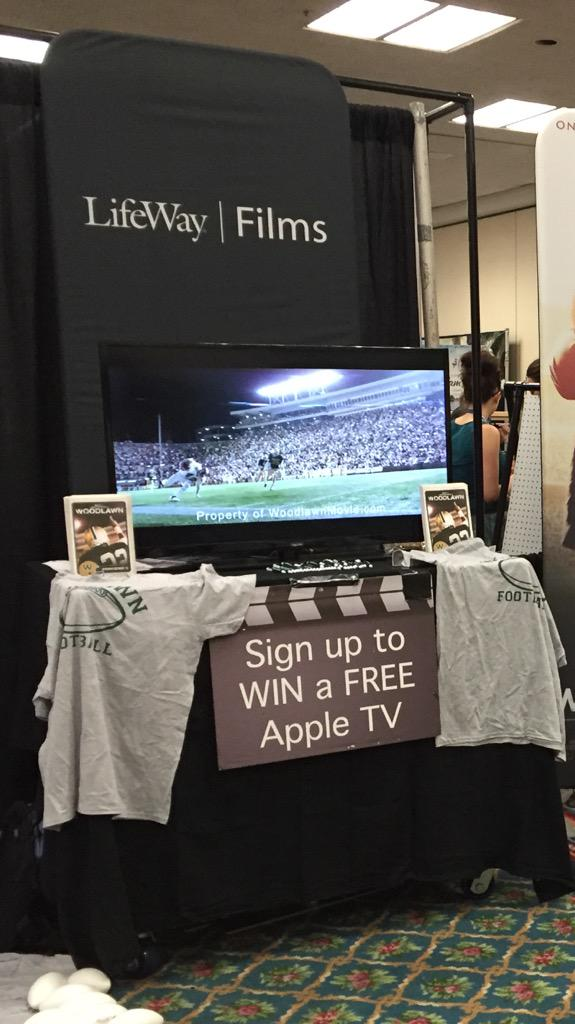 If your at #NYWC15 and haven't signed up, retweet this to enter to WIN a FREE AppleTV!! http://t.co/QBgUm3BvbU