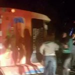 Bus con 46 niños y jóvenes scouts volcó esta noche en cuesta La Dormida http://t.co/30exVGs21G http://t.co/DBWTpVzzSz