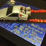 Absolutely insane show tonight, Orlando!! Thank you! Best way to start a tour. Heres a cake #BackToTheFutureHearts http://t.co/eG0elPfu4Y