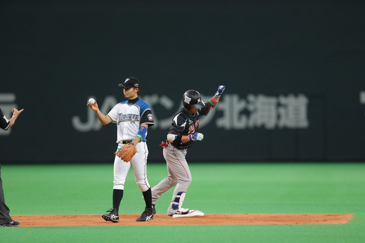 http://twitter.com/Chiba_Lotte/status/652799559932907520/photo/1