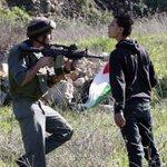 """إن عِشتَ...فعشْ حُراً او مُتْ """"كالفلسطيني"""" وقوفاً #فلسطين http://t.co/RqhPG0rNs9"""