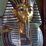 Egito começa a restaurar máscara danificada de Tutancâmon http://t.co/qooTgNlOIq #G1 http://t.co/JtL7AYV5qq