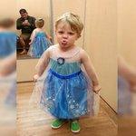 #LoMásVisto. #Facebook: niño quiso disfrazarse de princesa y su padre lo apoyó. ► http://t.co/VC4BYQfkVY http://t.co/MHEZBQJf0v