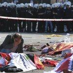 """Atentado en #Turquía: """"Vi una mano seccionada sobre el asfalto"""" #Testimonios ►http://t.co/Sgy9jgUnom http://t.co/m83dypxvmX"""