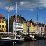 ¿Sabes cuál es el secreto de la felicidad de los daneses? Hygge. Te contamos de qué se trata http://t.co/wIYVuFReaH http://t.co/Ld0PhUStBM