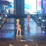 Model2 cilik dalam #BanyuwangiBatikFest 2015 http://t.co/6PpLHNT6Jx