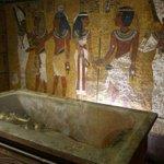 Egiptólogos discutem se já achamos Nefertiti sem saber. http://t.co/VhVBuNcPQ9 http://t.co/vKQBQX0S9x