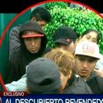 #VIDEO Revenden entradas para el Perú - Chile a toda luz del día y frente al punto de venta ► http://t.co/PPHMP1e4rQ http://t.co/BZCljGD4Vs