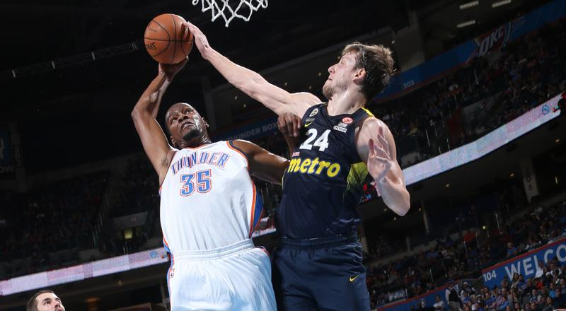 Kevin Durant Posterizes Former Wizard Jan Vesely Video Scoopnest