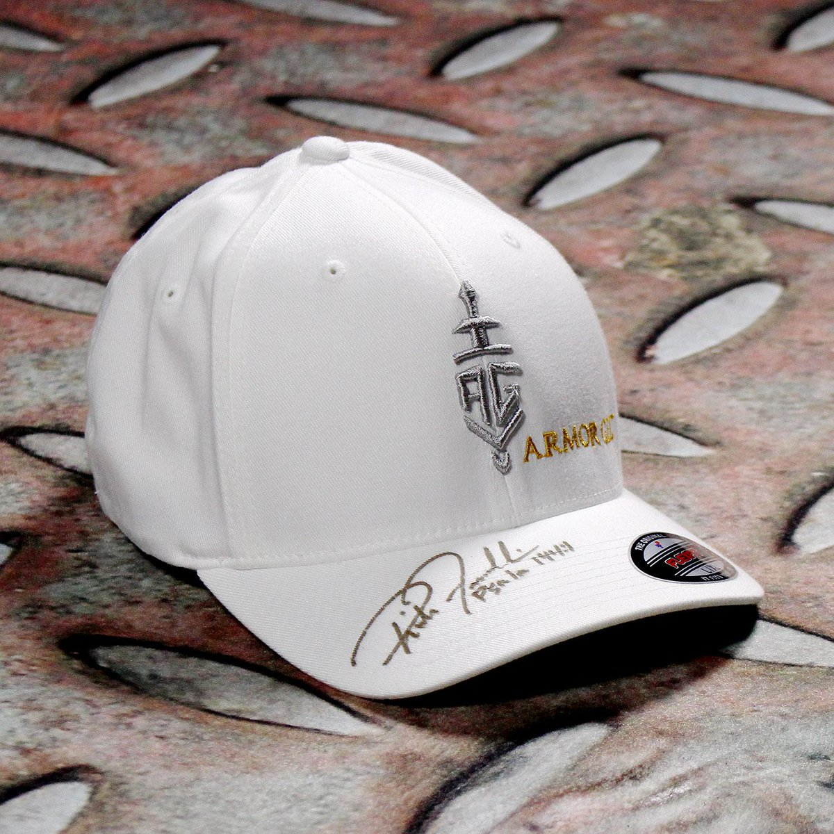 Thanks @RichFranklin for an amazing career! Fans- RT this for a chance to win this @ArmorGel hat signed by Rich! http://t.co/ckqMvY4c16