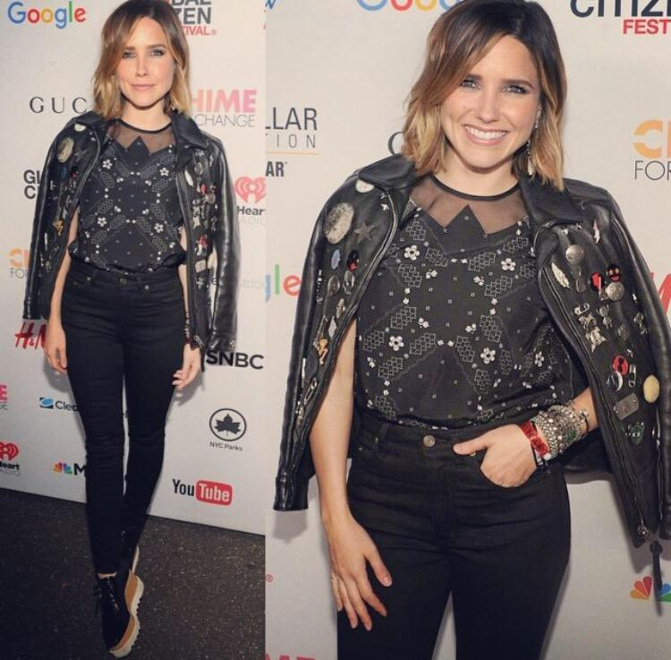 Our @glblctzn of the year award goes to @SophiaBush! Thx for always reminding us to stand for something X http://t.co/Ds1lQVNqYM