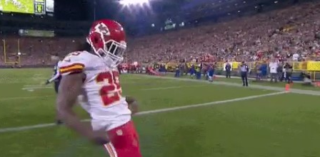 VIDEO Jamaal Charles Mocks Aaron Rodgers Celebration After Scoring On Packers