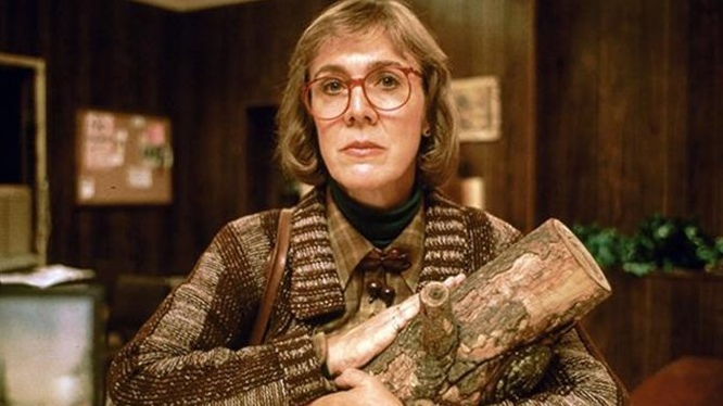 farewell, log lady (aka catherine coulson). we'll miss you. http://t.co/YNQT810X5s