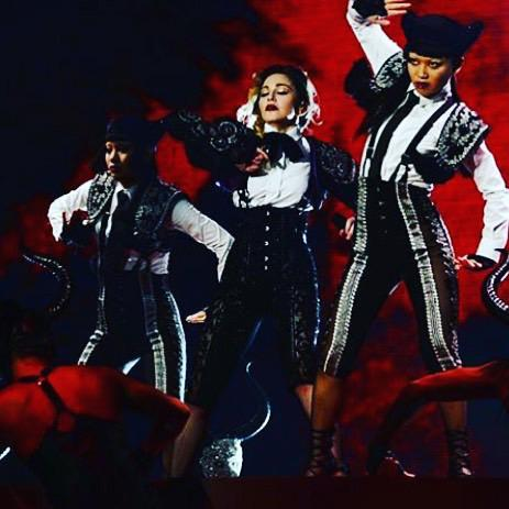 Living For Love with my Rebel Bitches Aya and Bambi‼️‼️‼️in Chicago ❤️ #rebelheartour http://t.co/3Bf60HP8b7