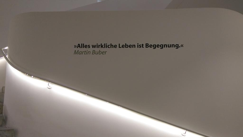 Der Spruch aus der neuen Ausstellung im Hospitalhof passt wunderbar zum vergangenen #bcs8. http://t.co/x0A9Y0JjoZ