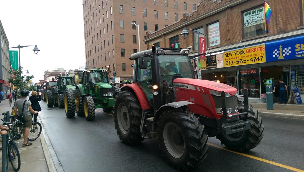 Farmers head to Parliament Hill for anti TPP rally? #elxn42 http://t.co/8igyMJ7BWP
