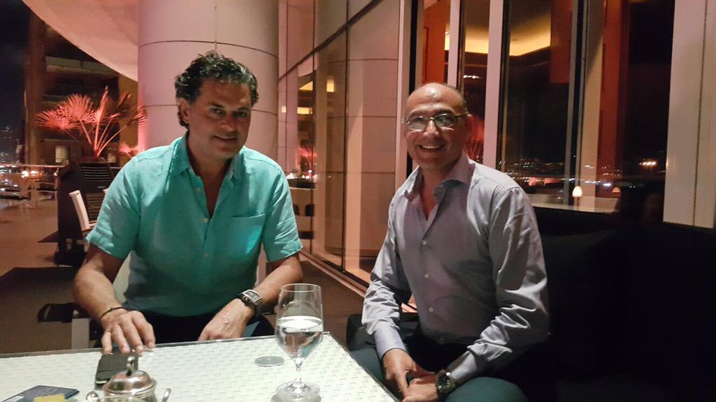 اثناء لقائي الليلة مع سفيرالنوايا الحسنة لبرنامج الامم المتحدة للبيئة الفنان راغب علامة @raghebalama http://t.co/FTO6kcIuuT