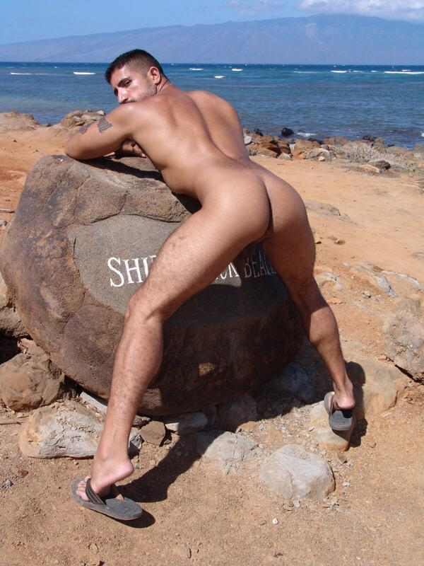 #NakedMaui #Maui #GayMaui #sebastianrio @SBRFanClubNews coming to Maui this month. http://t.co/FuROxBnaXX