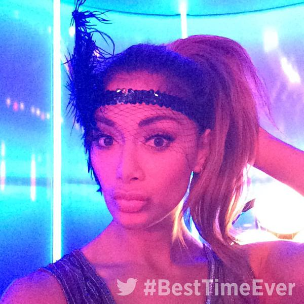 RT @BestTimeEver: Pre-show selfies are a MUST! ✨ #BestTimeEver http://t.co/1gHFEIlA9a
