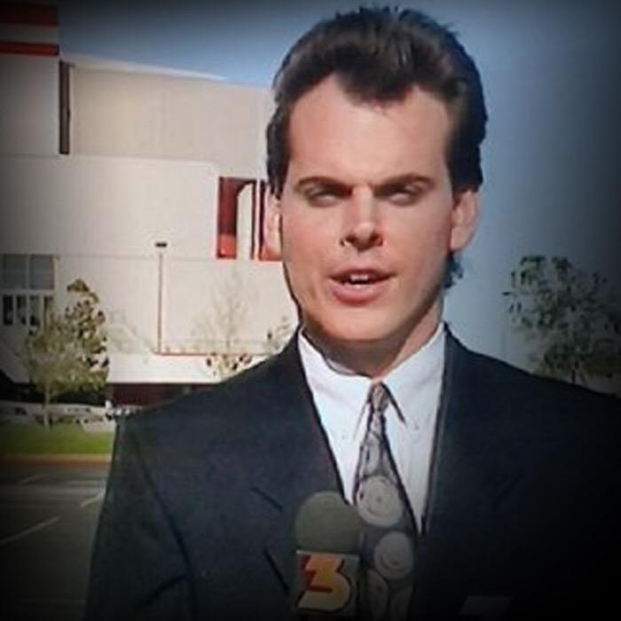 Hold up...@ColinCowherd is making fun of gamers for being dorks? People in glass houses... http://t.co/L5UjhErkyT