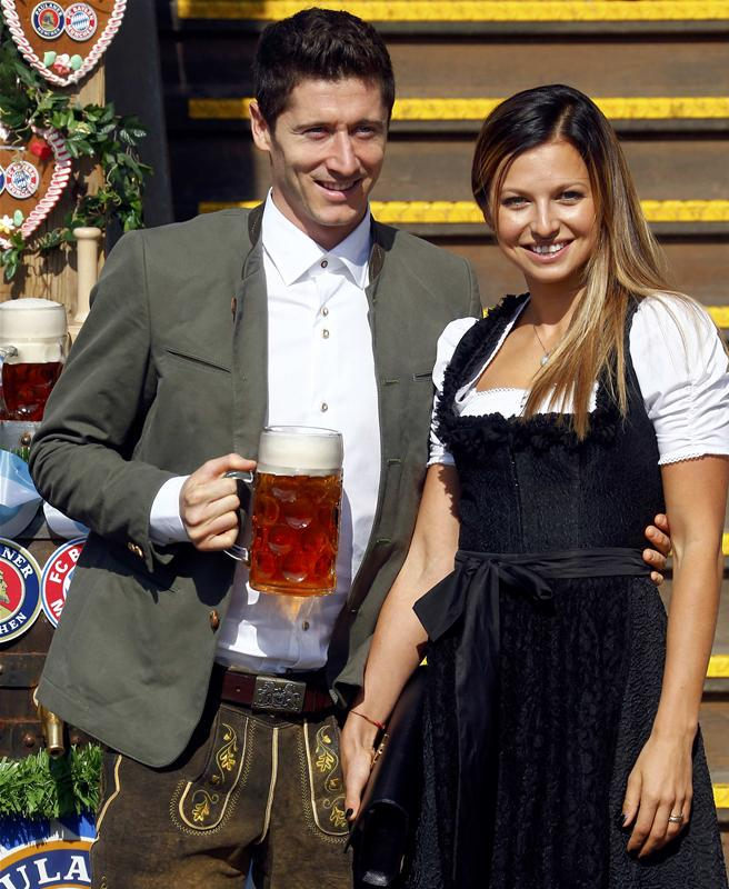 Robert Lewandowski posted this picture with wife Anna on Instagram