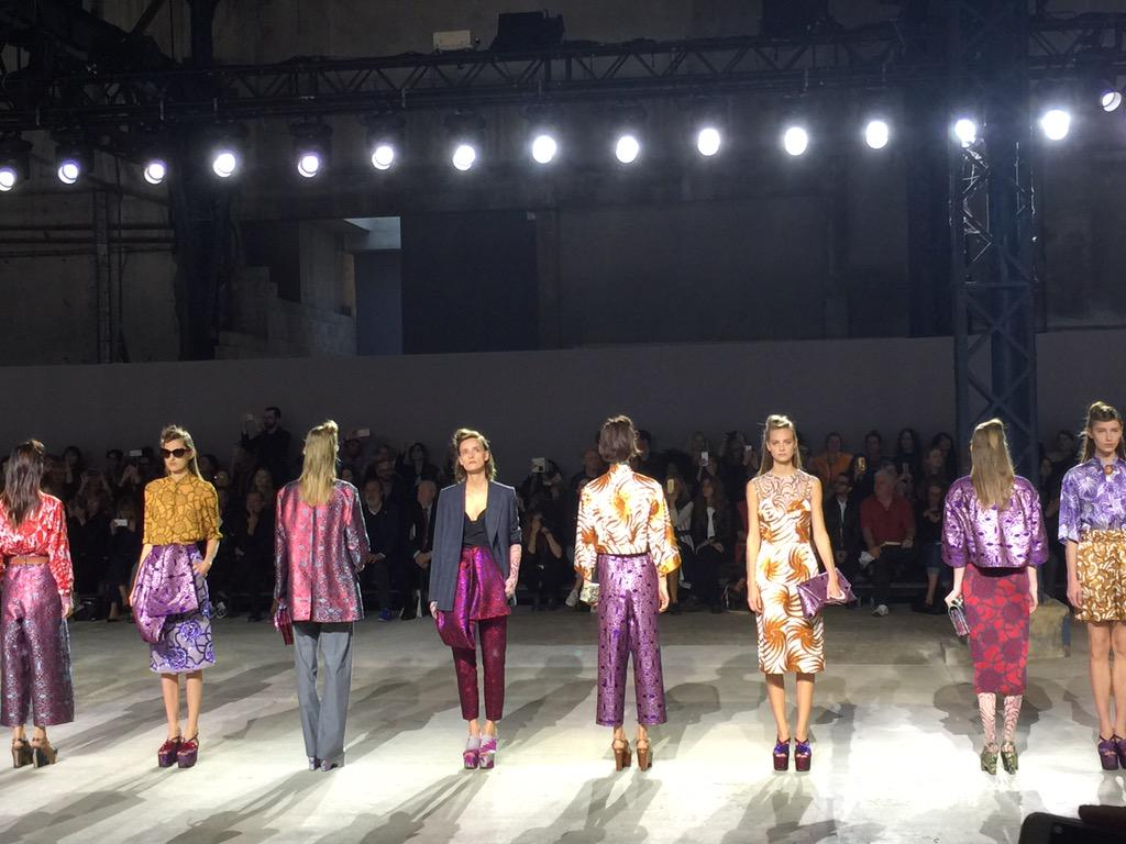 Finale at @DriesVanNoten. Such beautiful fabrics #pfw http://t.co/ZbHQIaJtIt