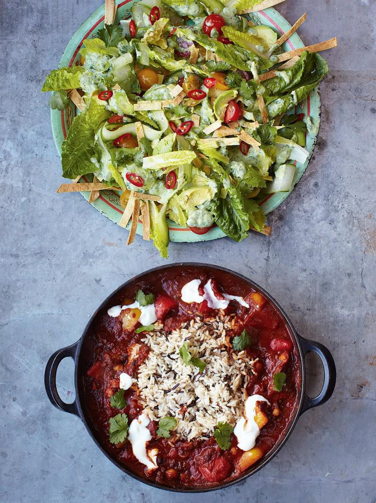 #Recipeoftheday veggie chilli with tortilla & avocado salad for #WorldVegetarianDay http://t.co/OAbM8EjwHn http://t.co/6tyEGxIN7s