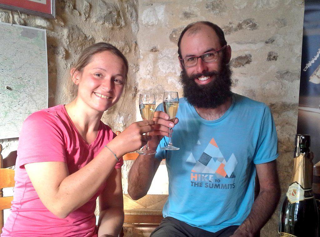 On ne pouvait pas passer en #champagne  sans aller visiter une cave :) Best carburant ever.