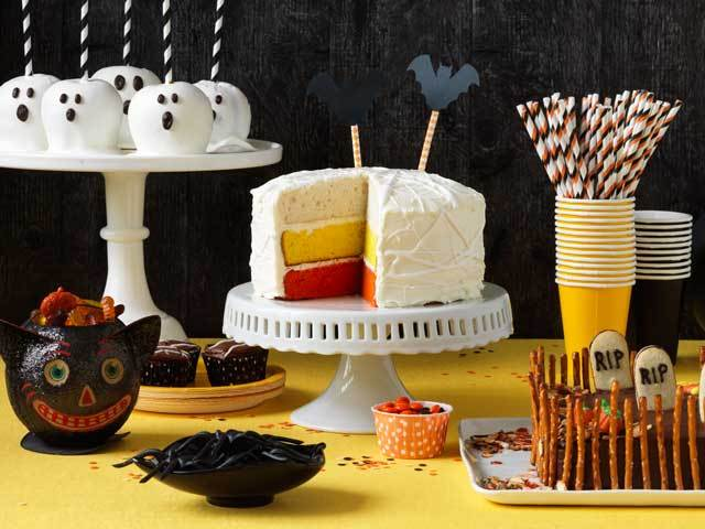Everything you need, from desserts to costumes to DIY decorations, for an awesome Halloween: http://t.co/k6EDAeRwEs http://t.co/1aVCUjQjWQ
