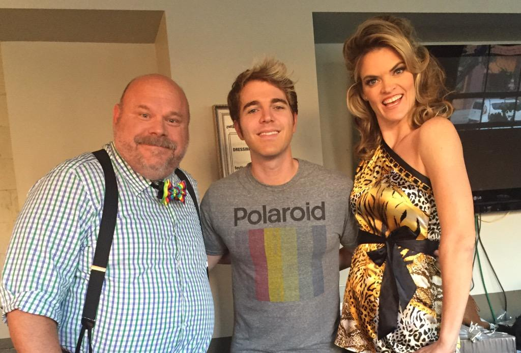 "shooting a crazy fun film called ""Internet Famous"" with fab internet star @shanedawson & the hysterical @missipyle http://t.co/WxhHwuTCu5"