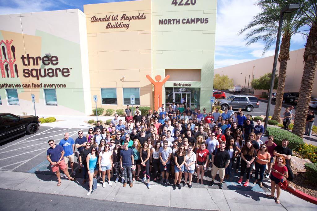 UberGlobalSummit w/ 1.5k employees doing 5k hrs of community service today..Thx to Las Vegas for giving us the oppty! http://t.co/e5soJXG5B3