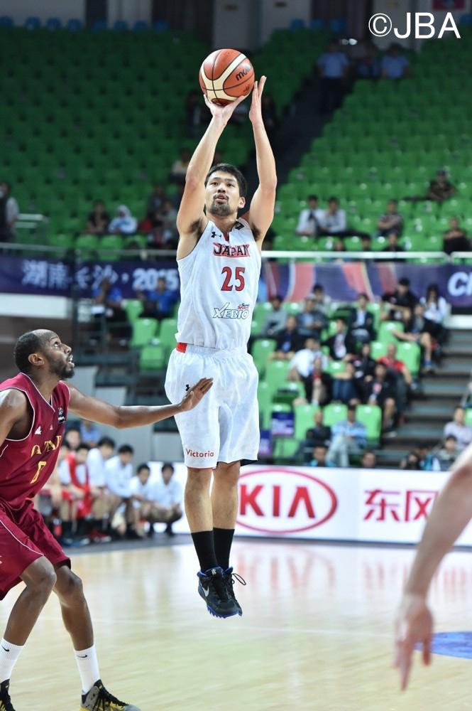 男子代表:【結果速報】第28回FIBA ASIA男子選手権大会 準々決勝  ■試合終了 日本 ○ 81-67 ● カタール http://t.co/y82JmSnBaV  ※9大会ぶりベスト4進出! #go_hayabusa http://t.co/fMADk9lE98