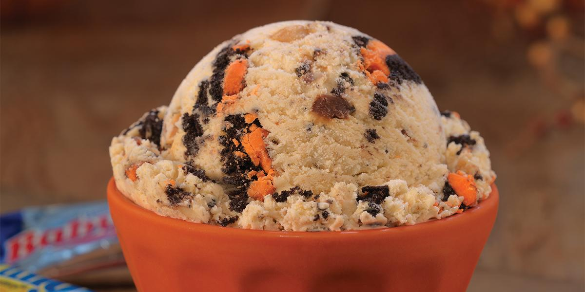 October's Flavor of the Month is spooky good. Try a scoop of Trick OREO® Treat if you dare! https://t.co/tA8LexPHJi