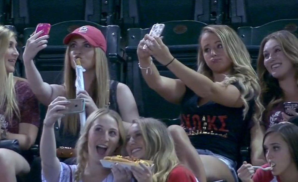 VIDEO: D'backs announcers make fun of sorority girls who are caught taking selfies
