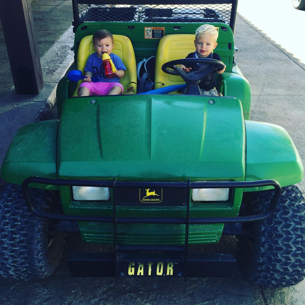 RT @joshduhamel: Axl & his babe Sadie cruising in the Gator. @Fergie https://t.co/foVoCMytpf