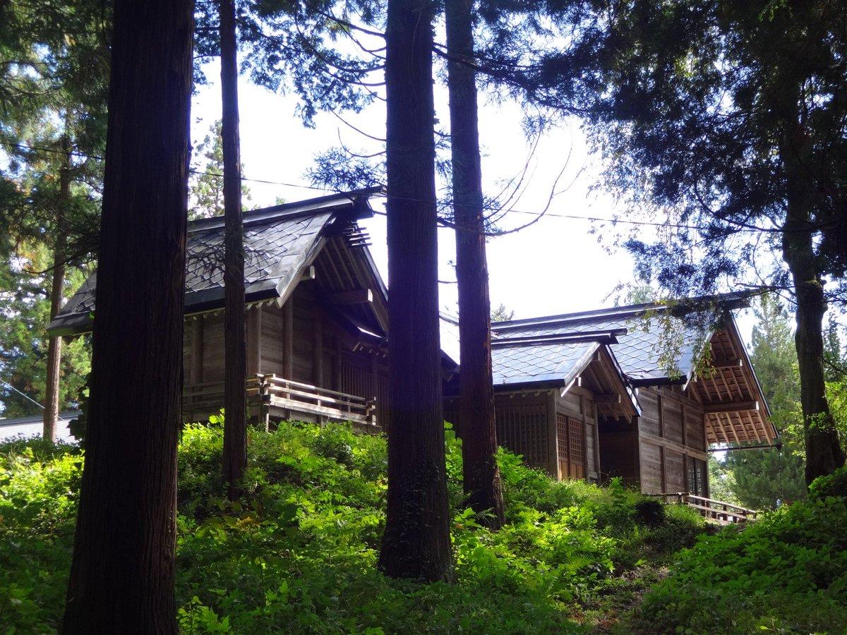 野外コスプレロケをお考えのみなさん、木崎湖キャンプ場&隣の神社はいかがでしょうか? 神社ロケについては宮司さんより「コスプレ撮影OK」の許可をいただいております。湖畔&神社!更衣室(無料)もあります!お気軽にお問い合わせくださいー。 http://t.co/B2tAHoqieI