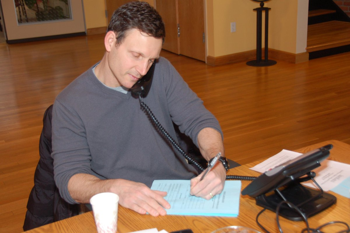 #TBT -@TonyGoldwyn manning our phones after 2010 #Haiti earthquake & he'll be @ our #AAB2015 on Oct 3 - Join us http://t.co/0rTXfM9qG8