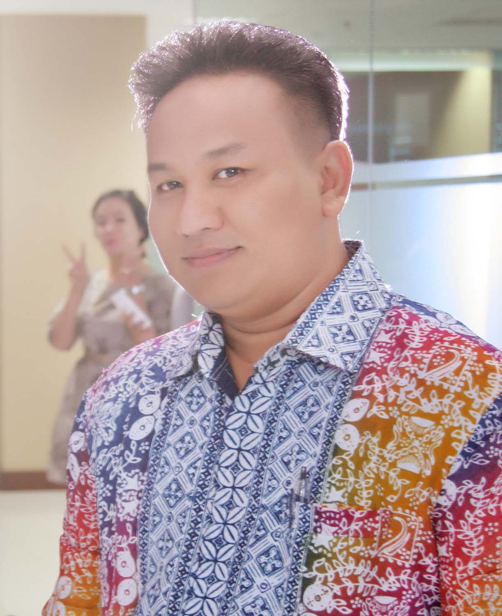 Selamat menjalankan ibadah haji, Pak Arief. Semoga menjadi haji mabrur. #DafamBatik #BatikDay :) cc @NFanessa http://t.co/rTIKrU83fZ