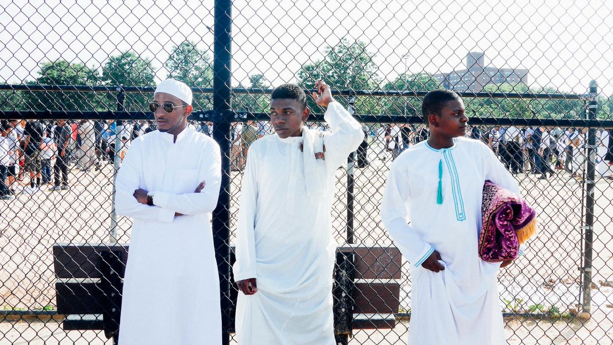 """""""Twice a year, they witness us: unapologetic Muslims, flexing on you."""" http://t.co/IUvG061Tpp tell em @ali_selassie http://t.co/eDr58pFznx"""
