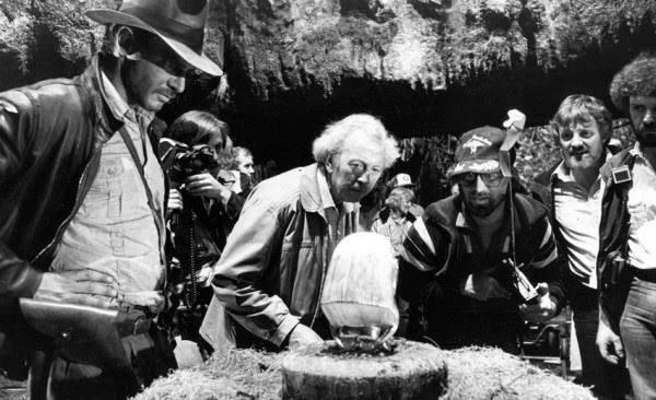 Detrás de las cámaras de 'Indiana Jones: En busca del arca perdida' (1981) http://t.co/ft3xd5UcNQ