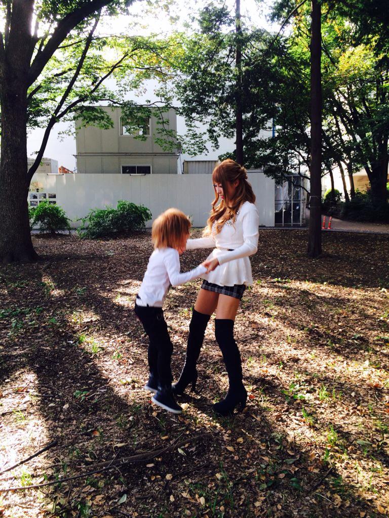 親子のジャンプからの抱っこ^ ^ @chiimelo74 http://t.co/i4S5ek9rGw