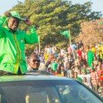 #HapaKaziTu.@MagufuliJP aweka historia Dodoma,aingia Singida.http://t.co/wsTzoHroed @ccm_tanzania @BonSipele @Jahhu http://t.co/U0APnnaEGU