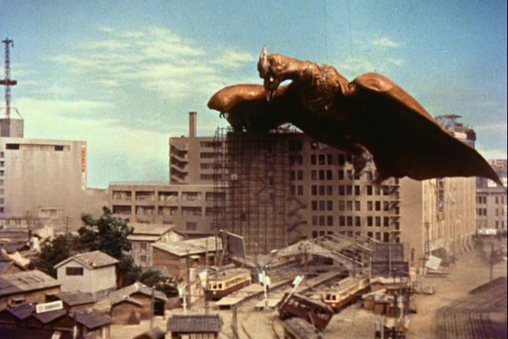 補足(空の大怪獣ラドンと、さっき #ブラタモリ で映った古写真) #NHK http://t.co/0HAvRauvHV