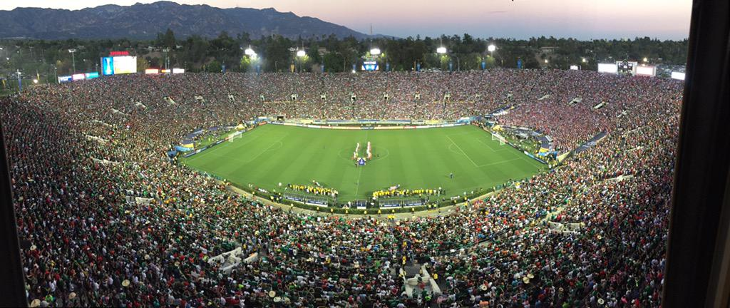 What a beautiful site for #USAvMEX Kick off next on @FS1 !! http://t.co/lyFUiz5kYu