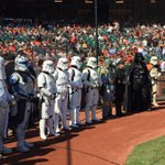 Just another Saturday at the park. #SFGStarWarsDay #SFGiants http://t.co/7ChorKkzEX