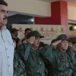 Maduro a jóvenes soldados: La misión es garantizar la paz de Venezuela http://t.co/HpL16upvLp http://t.co/ffRP9inXoH