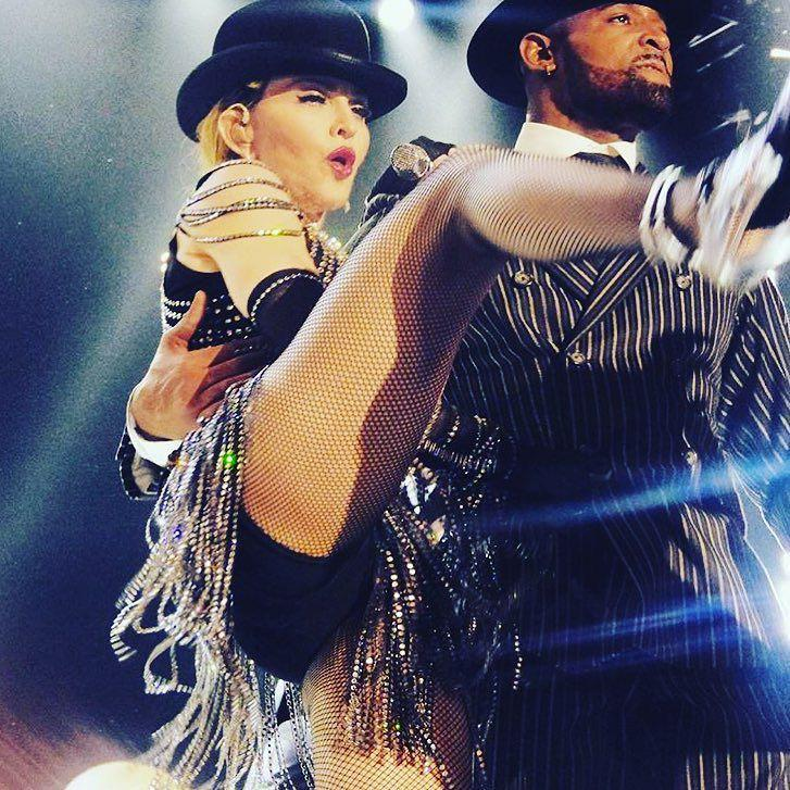 Being Extrava gangsta with bigmijo! ❤️ #rebelhearttour http://t.co/wzR3bXgUof